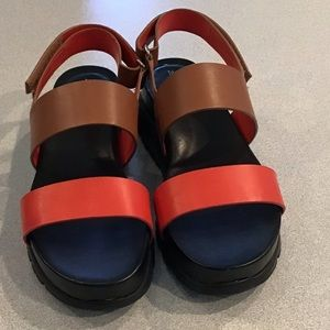 Zerogtound Cole Haan Leather Sandals